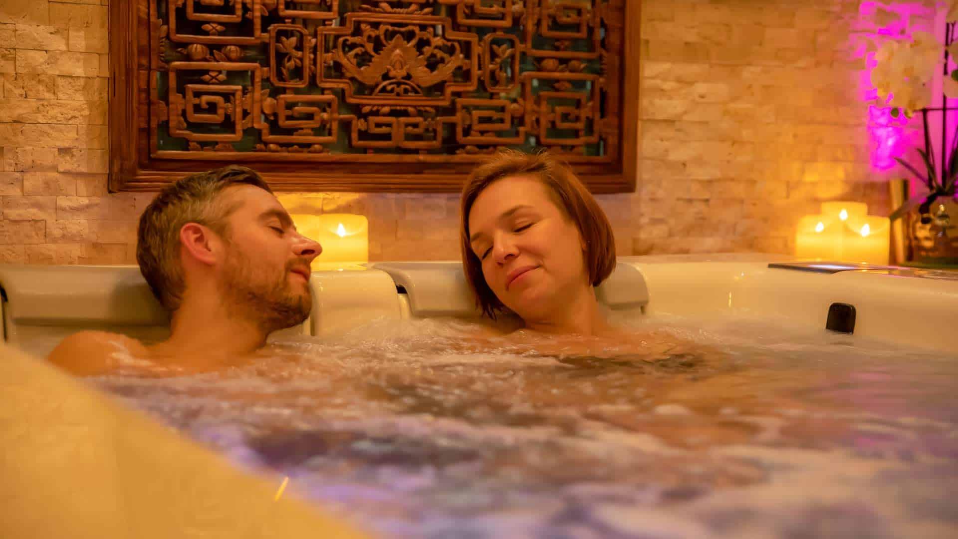 Day Spa Whirlpool mit zwei Personen