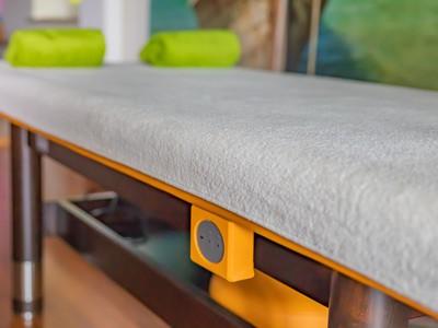Massage liege mit beheizbarer Auflage im LANAI
